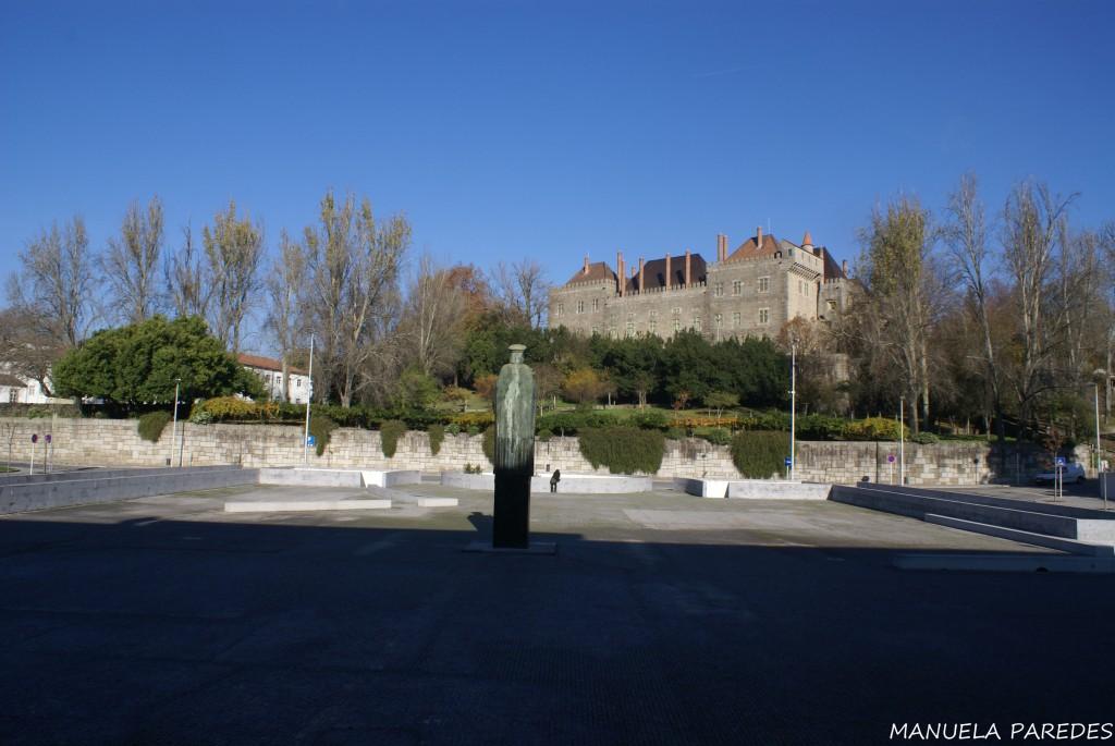 Portugal Guimarães Praça da Mumadona Paládio do Duques