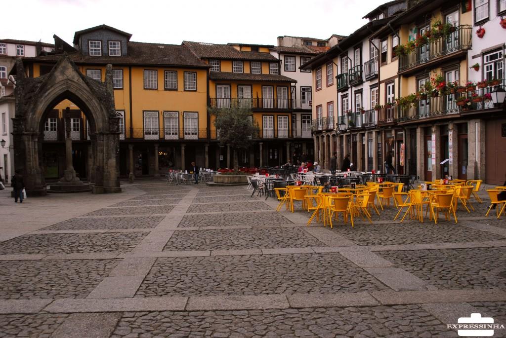 Portugal Guimarães Praça de Santiago e Padrão de Salado