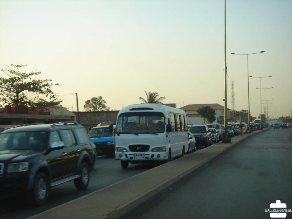 Expressinha Angola Luanda Trânsito