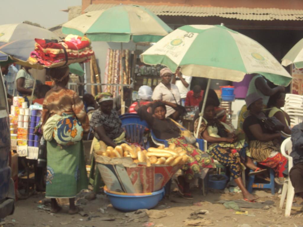 Expressinha Angola Luanda Mercado