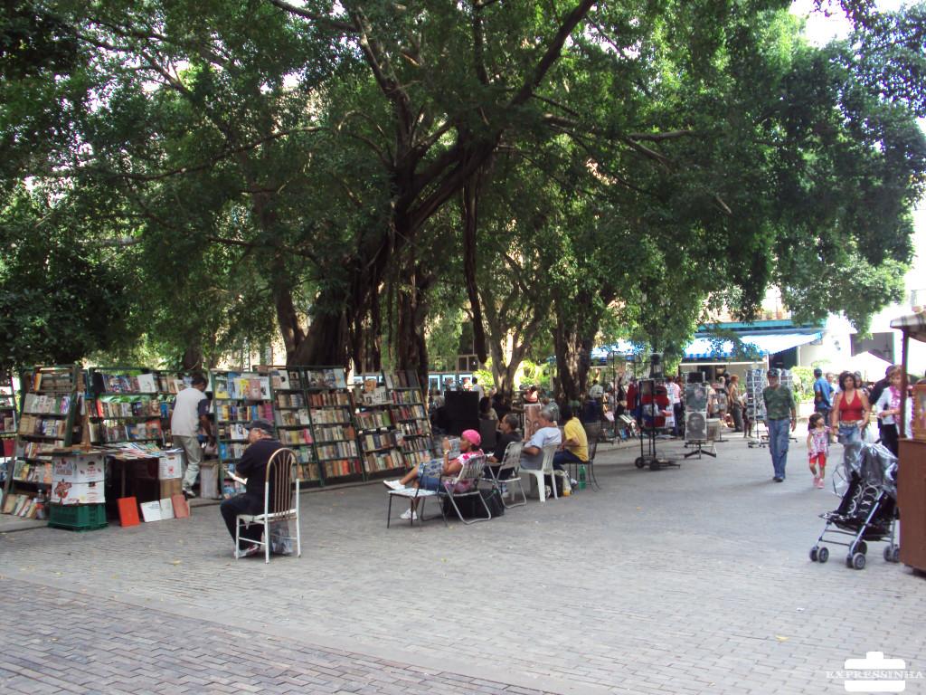 Cuba Havana Feira Plaza de Armas